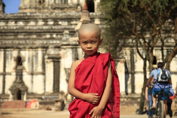 mladi menih v Burmi