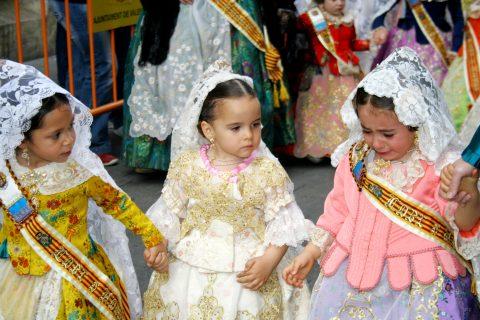 deklice iz festivala Las Fallas, Španija