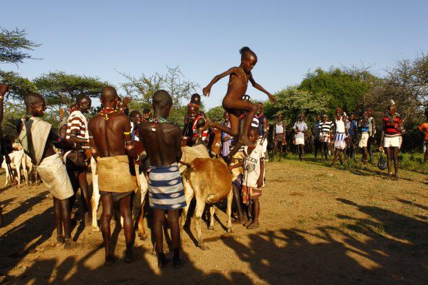 obred preskakovanje bikov, Etiopija