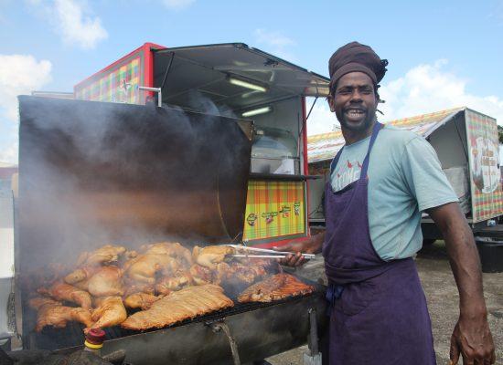 Martinik - piščanec ob cesti
